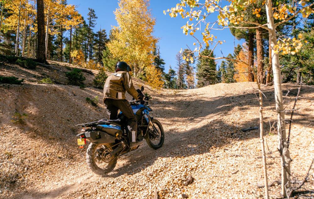 Motocykle klasy adventure 2021: Czas na terenowe średniaki